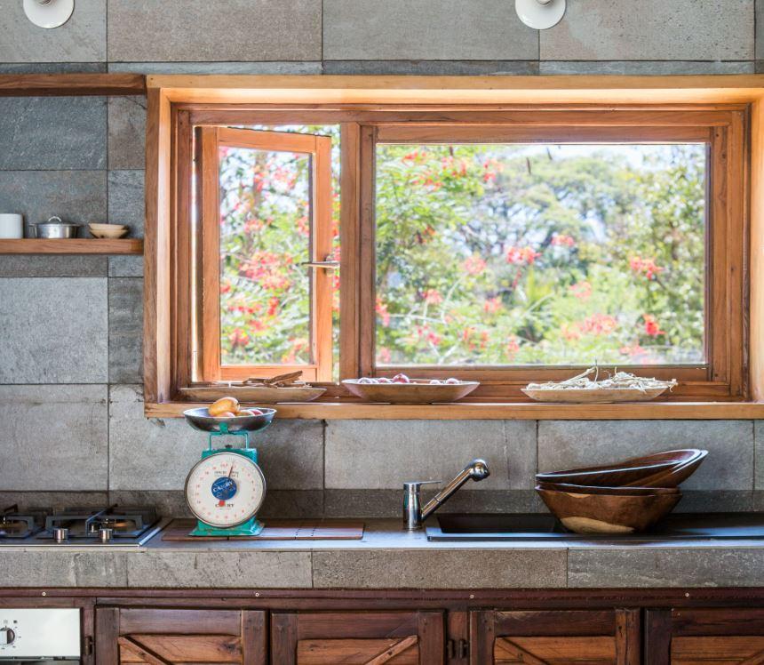 Interior Trano In A Gadda Da Vida - Nosy Be: kitchen